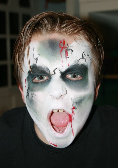 29 amazing face painting ideas for kids that you can do 9 zombie solutioingenieria Images