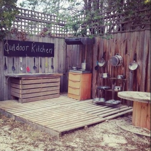11 Mud Kitchen