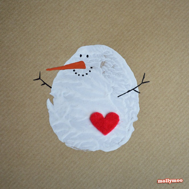 Source: http://mollymoocrafts.com/diy-christmas-cards/