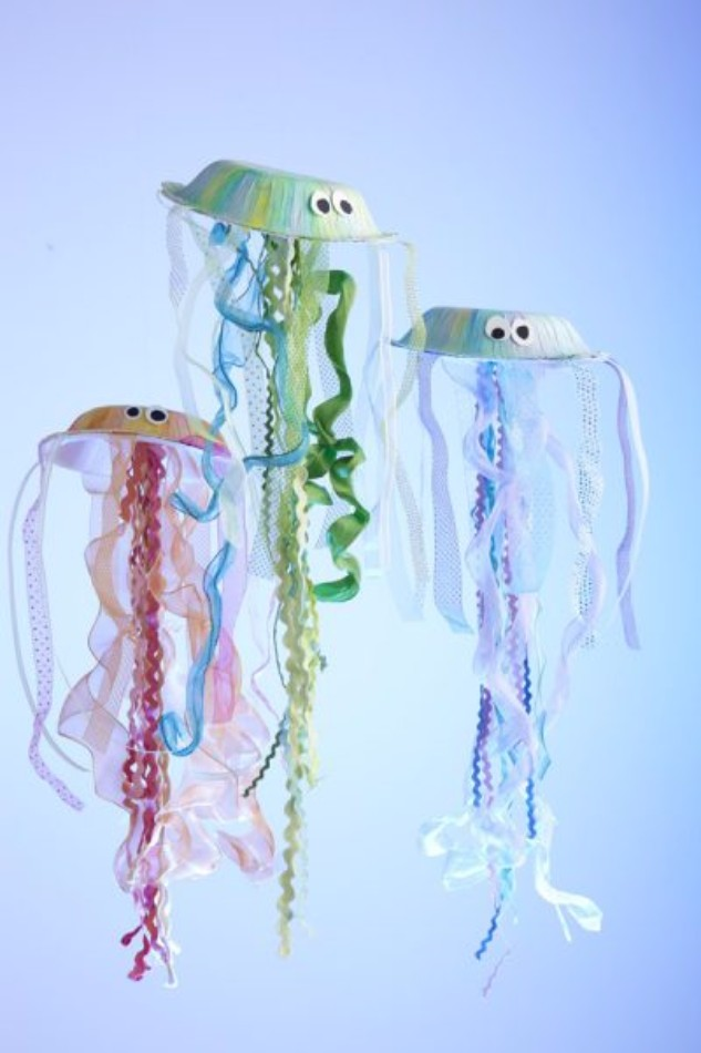 https://funfamilycrafts.com/paper-bowl-jellyfish/