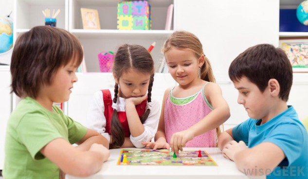 http://chaostocalmconsultancy.com/wp-content/uploads/2017/08/kids-playing-board-games.jpg