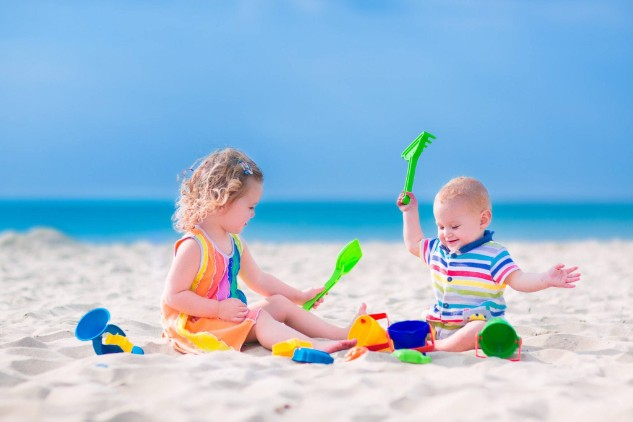 https://s11460.pcdn.co/wp-content/uploads/2016/07/cancun_with_babies_toddlers_beach.jpg.optimal.jpg