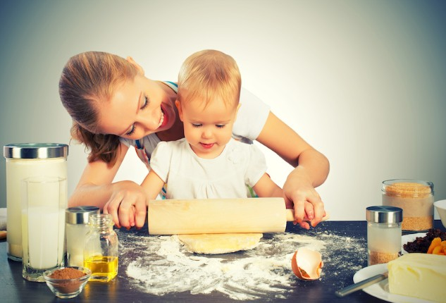 http://blog.kidzcentralstation.com/wp-content/uploads/Cooking-Small.jpg